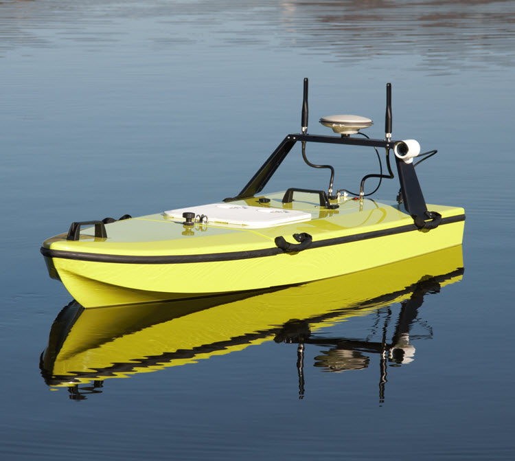 CEE-USV_bathymetry-drone-remotely-operated